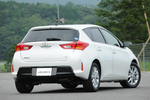 Auris_rear_view
